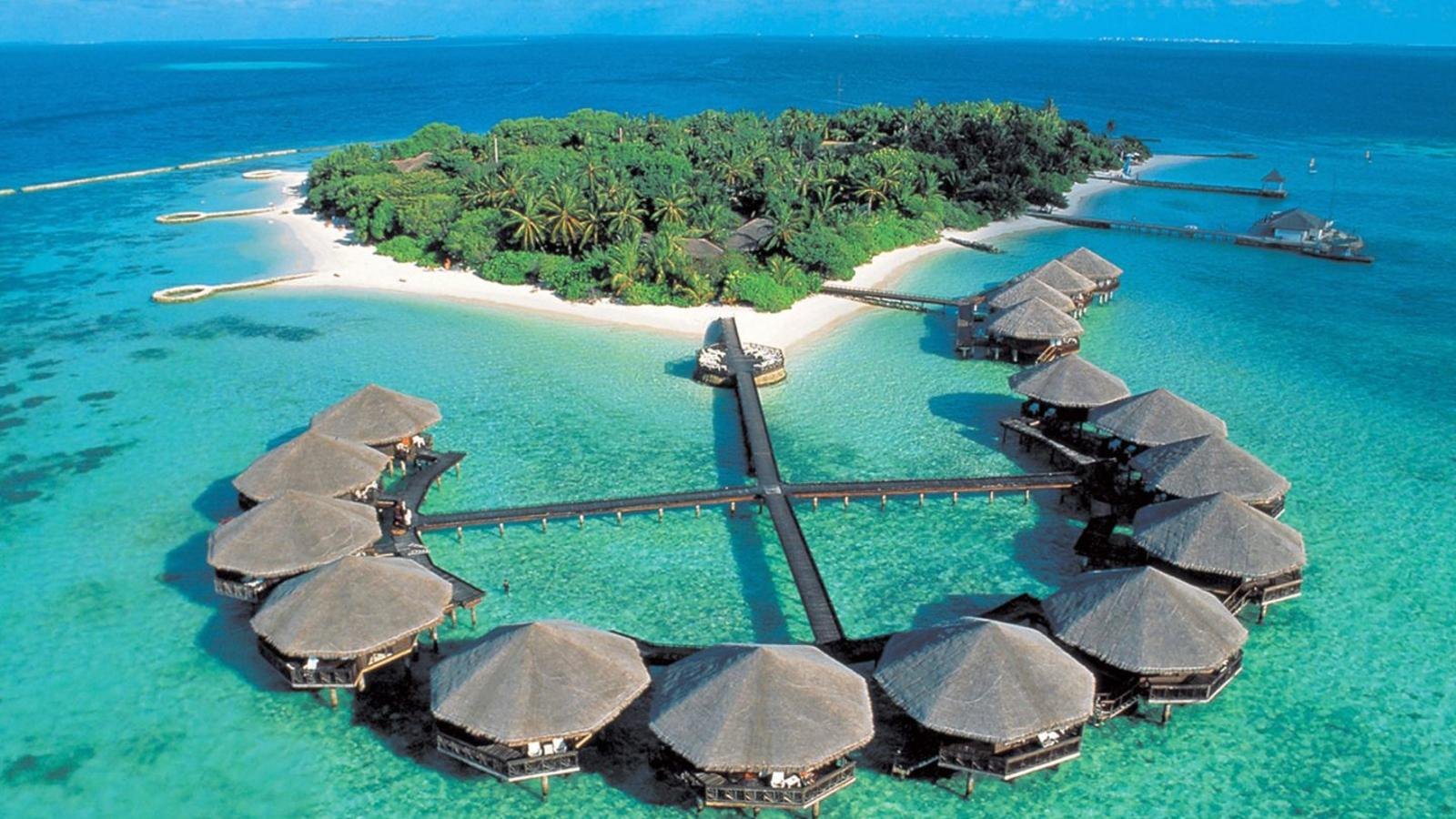 maldives-baros-island-resort_edl7bi
